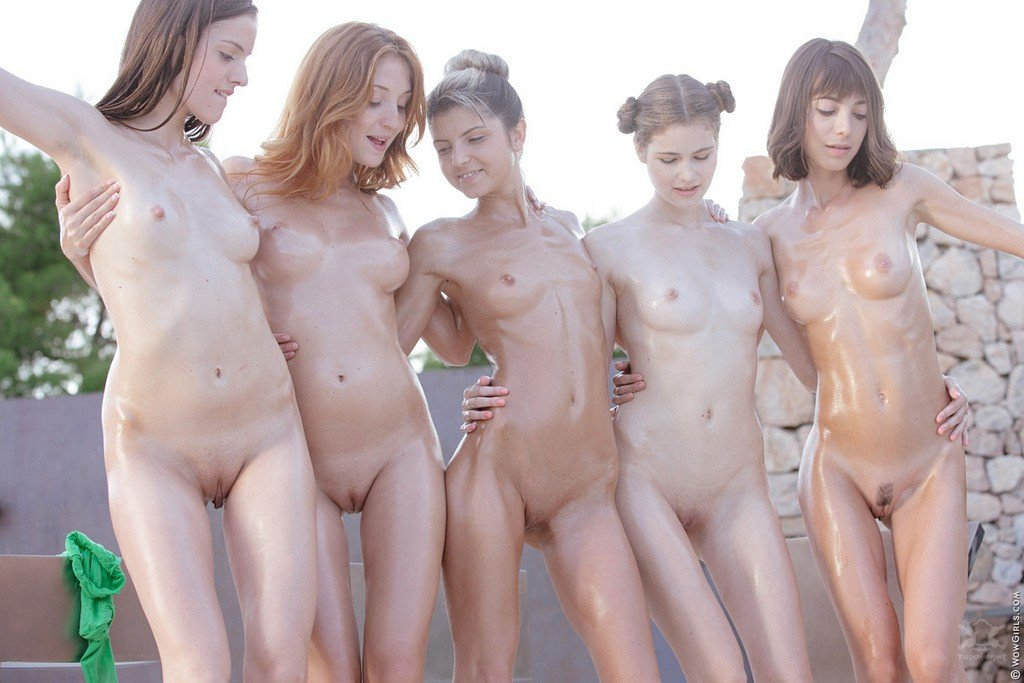 golie-krasivie-molodie-modeli-video